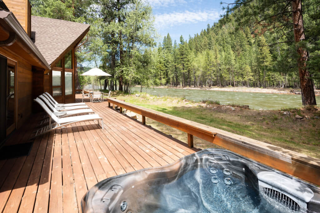 hot tub on cabin porch